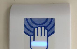 食品工場自動ドア非接触型タッチスイッチ